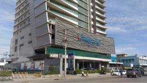 SMシティセブの近くにあるベイフロントホテル