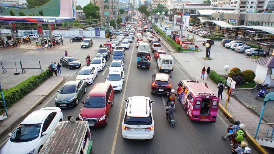 セブは時間によって交通渋滞が酷く空気が悪い