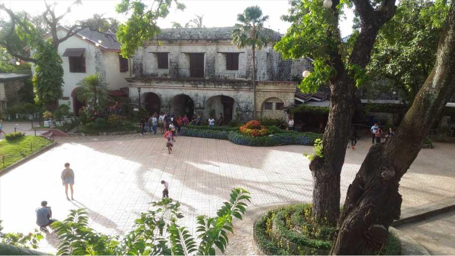 セブのサン・ペドロ要塞の中庭
