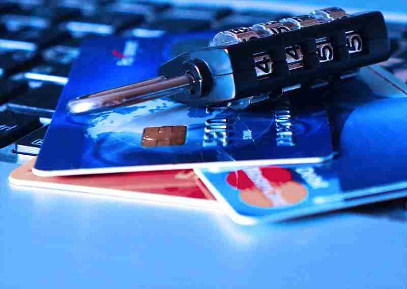留学はクレジットカード付帯の海外旅行保険で良い?